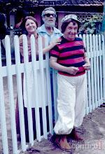Photo: Chico interpretou o caçador aposentado Pantaleão, que vivia em casa curtindo uma cadeira de balanço na companhia de sua esposa, Dona Terta, e de Pedro Bô, um menino que ele pegou para criar há 28 anos.  O personagem foi interpretado por Lester e foi um dos maiores sucessos da época. As cenas eram exibidas em Chico City, que esteve no ar de 1973 até 1980