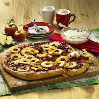 Dessert Pizza with Caramelized Apples