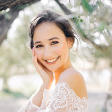 Wedding photographer Elina Li (cosmiqpic). Photo of 03.07.2017