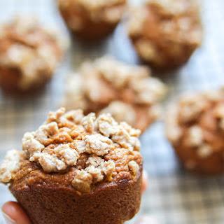 Healthy Pumpkin Streusel Muffins