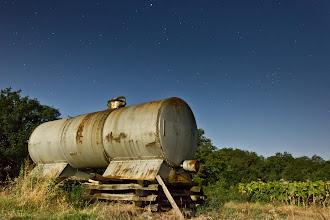 Photo: old container resting under the night sky  canon eos 550d 18mm 16s f/5 iso 6400 shot with the help of #magiclantern  and the full  #moon  :)  #plusphotoextract   #landscapephotography   #nightscapes   #sundaystars   #skysunday   #photography   #nightshot   #nightphotography #old #rusty