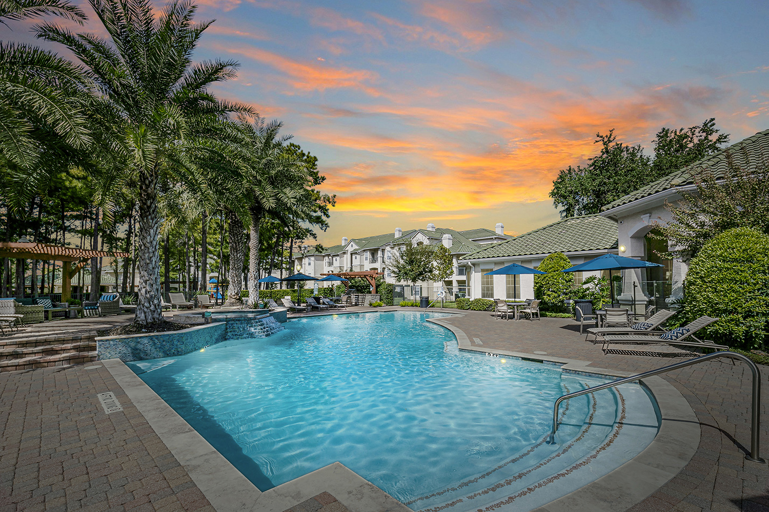 Chandler Park Apartments in Houston, Texas | Luxury Living