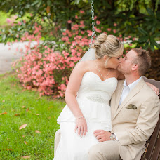 Wedding photographer Amber Thompson (amberthompson). Photo of 14.08.2015
