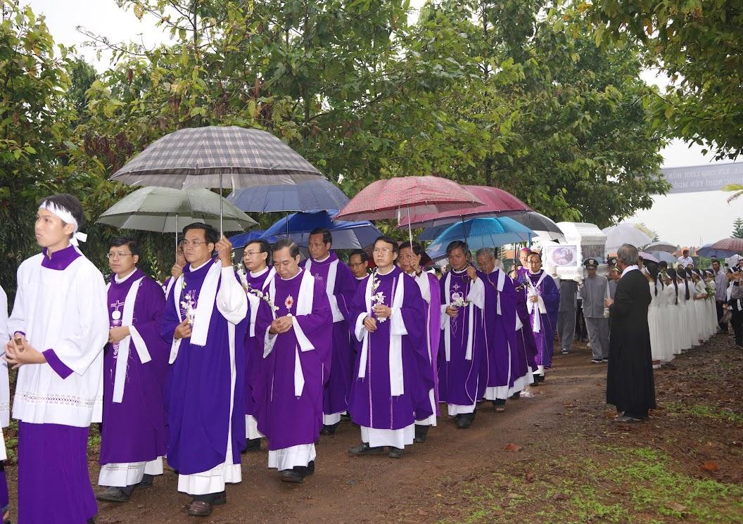 Thánh lễ an táng Cha Giuse Trần Ngọc Tâm - Chánh xứ Xuân Đức - Ảnh minh hoạ 46