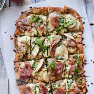 Arugula and Prosciutto Pizza.