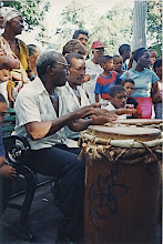 Photo: Les deux tambours de la tumba de Bejuco - Festival del caribe - 1998? © Daniel Chatelain