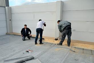 Photo: 09-11-2012 © ervanofoto En de tweede helft is nu ook klaar. Nog wat opruimen en borstelen, en de roofing kan verder gelegd worden.