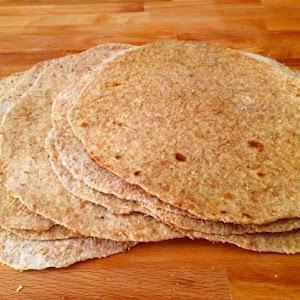 Homemade Whole Wheat Tortillas عيش التورتيلا المكسيكي بالدقيق البني
