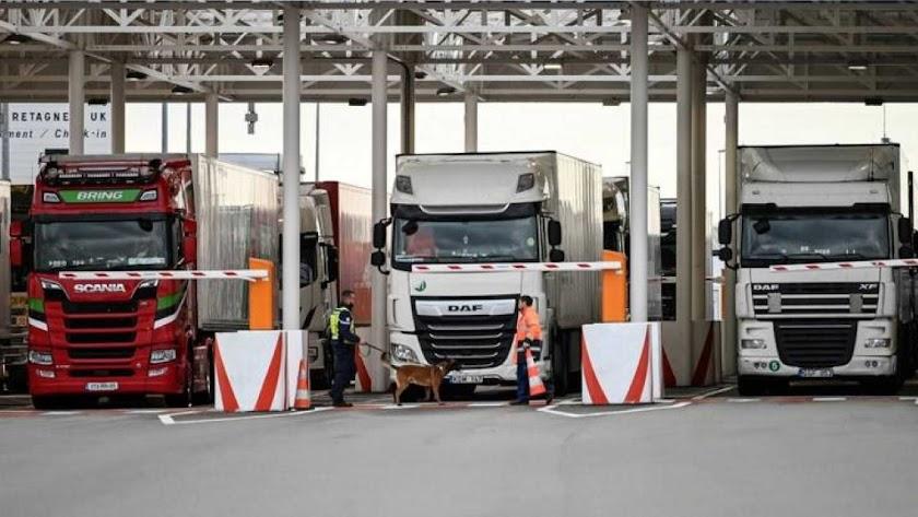 Calais ya vive el colapso de camiones que viajan al Reino Unido