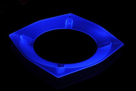 Bitspower vifteadapter, 200 til 140/120, UV blå