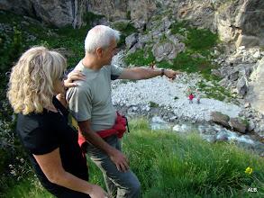 Photo: Lola y Javier en lo alto de La cueva.