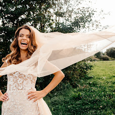 Wedding photographer Olya Bezhkova (bezhkova). Photo of 06.12.2017