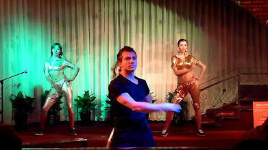 Photo: Beijing - TB dinner in russian restaurant Elephant, dance show, screenshots from video, really good dancing ala disco