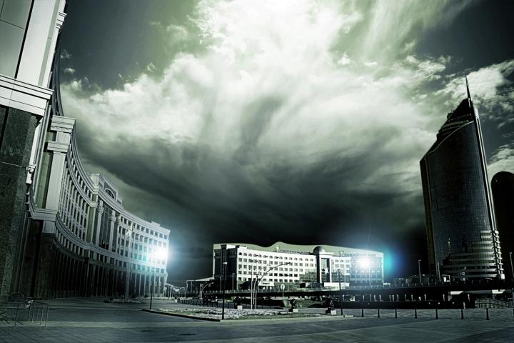 Night view in astana kazakhstan di nautiluz56