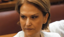 Photo: Μαρία Ρεπούση (Ερπετάνθρωπος, Κρόνια-Nephilim, Ελληνίδα Εβραία πολιτικός της Δημοκρατικής Αριστεράς, κατάσκοπος των Γαλλικών και Ισραηλινών Μυστικών Υπηρεσιών). Δείτε επίσης: http://www.dionisos12.com/mysteria/kronia-gene/erpetanthropoi