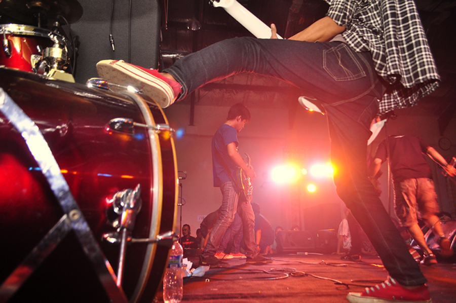 Frame of Playing by Irfan Maulana - People Musicians & Entertainers ( music, frame, medan, stage )