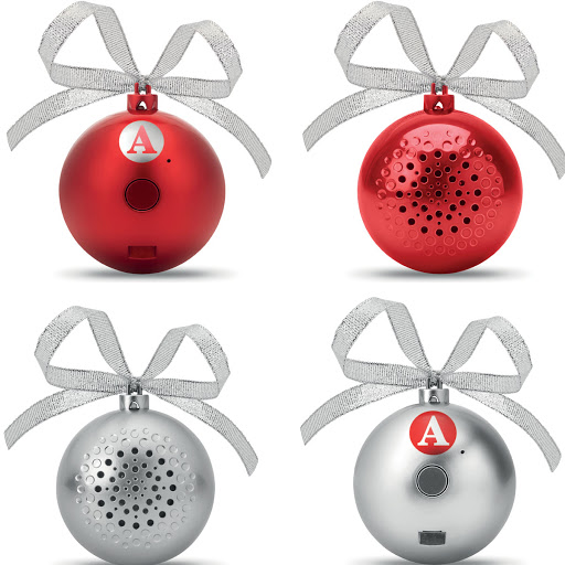 Bluetooth Christmas bauble speaker in red