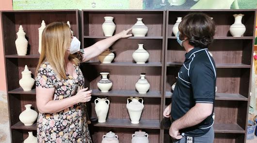 El museo taller de alfarería tradicional de Vera se renueva con un nuevo horno