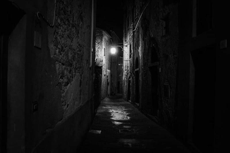 Nel buio illuminante di sangelica