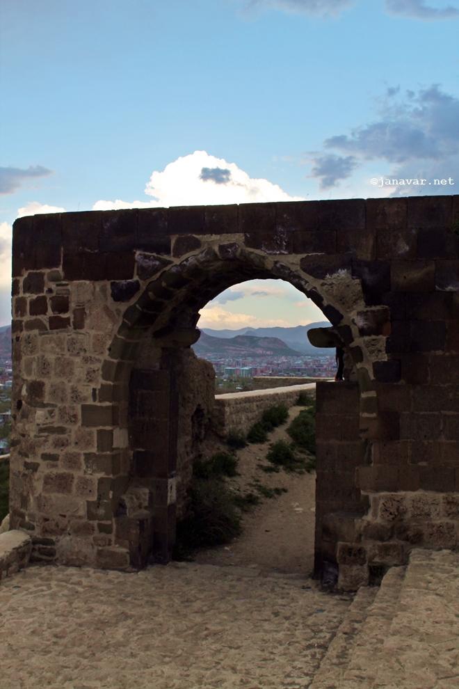Travel: Van in Eastern Turkey: The citadel of Van