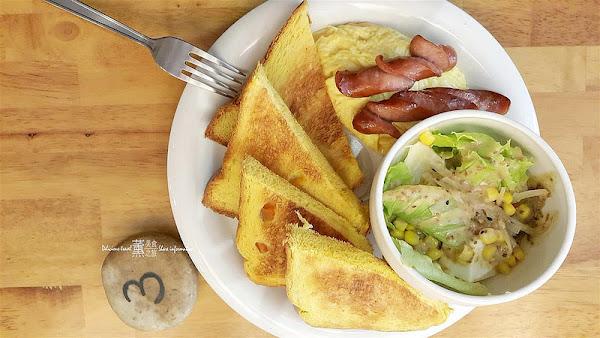 新北永和早午餐-初花brunch早午餐,限量自製麵包口味多樣變化,好吃值得等待。永和推薦早午餐、新北好吃推薦、新北手工麵包