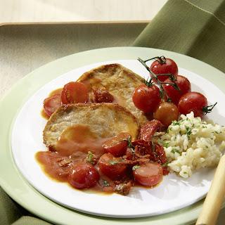 Sommerliches Schnitzel mit leichter Gemüsesauce