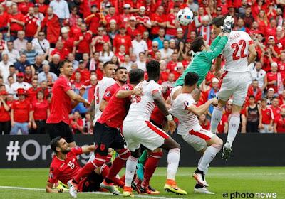 Zwitserland klopt Albanië in tweede partij op EK: 1-0 dankzij Schär