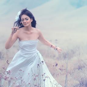 Haruuummm...... by Endah Dian - Wedding Bride