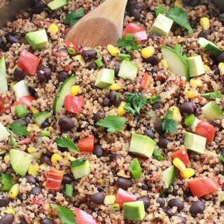 {One Skillet} Mexican Quinoa Recipe