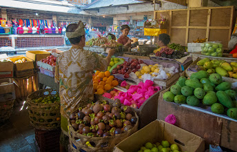 Photo: Fruit stand in the market in Ubud