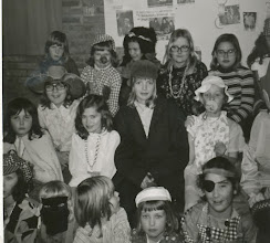 Photo: ver Kinderclub met oa links Jacqeline Dammers, Wilma Pippel en rechts bovenin Corry vOosterum