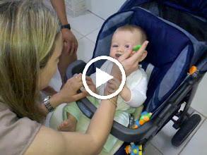 Video: A primeira papinha...