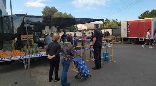 El mercadillo de Puebla de Vícar volvió a abrir sus puestos este domingo