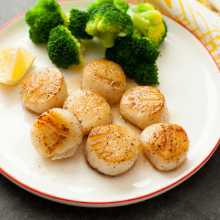 Quick Scallops with Lemon Butter Sauce.