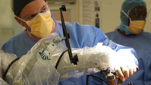 Orthopaedic surgeon Dr Chris McCready recently performed a total knee replacement operation using the Mako robotic-assisted surgery system.