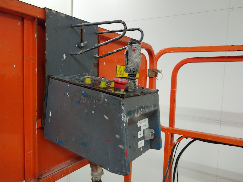 Picture of a JLG M4069
