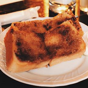 下北沢「トロワ・シャンブル」のシナモントーストは世界一かもしれない