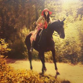 by Лариса Зверева - Animals Horses