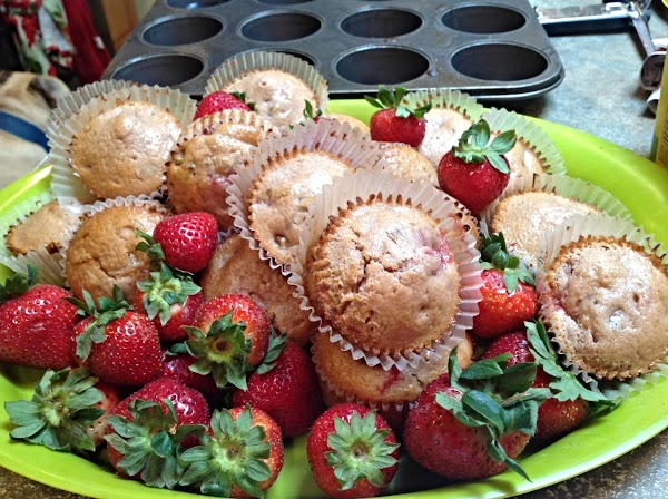 Berry-licious Strawberry Nut Muffins Recipe