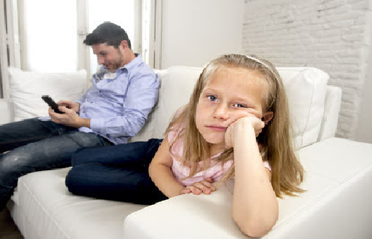 Are You a Tech Distracted Parent? Here's What to Do About It.