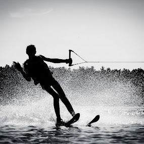 by Sarah Benoit Weir - Sports & Fitness Watersports