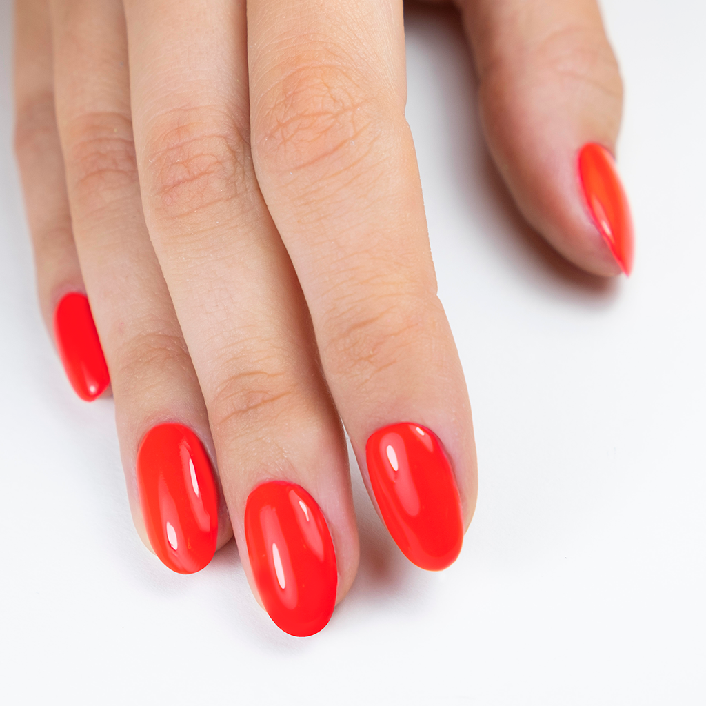 Pronails Longwear 245 Stuck in the Game 10 ML is een hele mooie rode kleur die jouw handen er deze zomer mooi verzorgd uit laten zien!