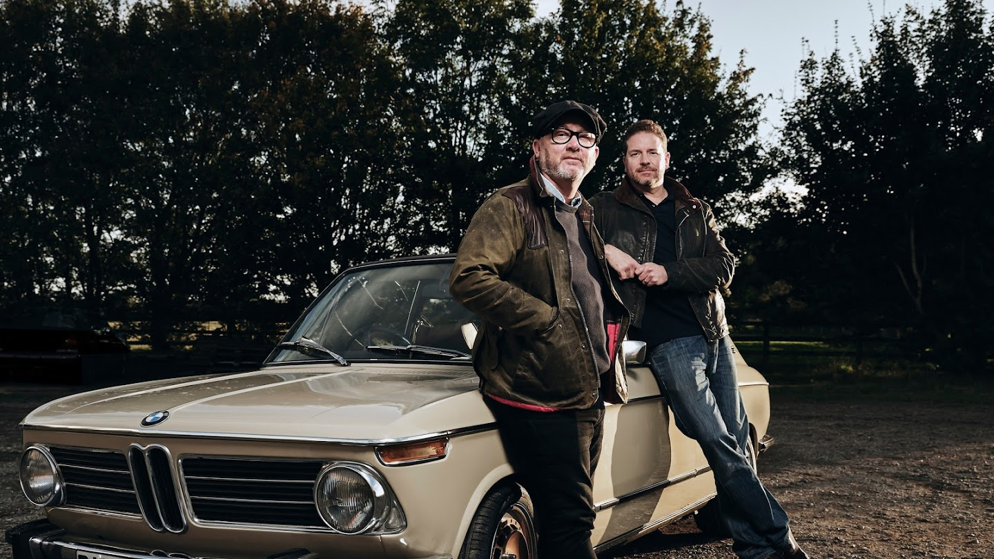 Watch Salvage Hunters: Classic Cars live