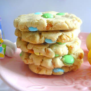 Easter M&M Skor Bits Cookies.