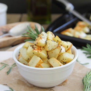 Garlic Rosemary Roasted Potatoes