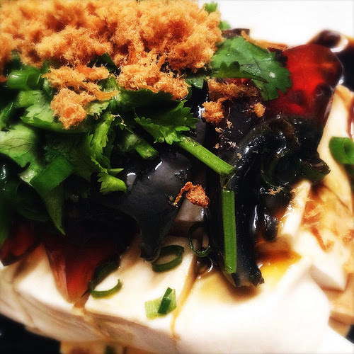 chinese, cold dish, egg, tofu, hundred year egg, recipe, shanghai, 皮蛋豆腐, thousand year egg, soy sauce