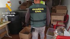 Almacén de droga hallado por la Guardia Civil.