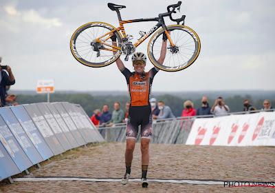 Van Vleuten geklopt! Anna Van der Breggen wint Nederlands kampioenschap