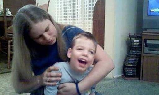 Bị cha rung lắc mạnh lúc mới 11 tháng tuổi, bé trai phải sống thực vật suốt đời - Ảnh 3.