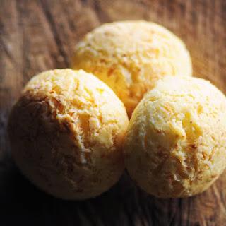 Pan de Yuca (Gluten Free) (Ecuadorian Cheese Bread).
